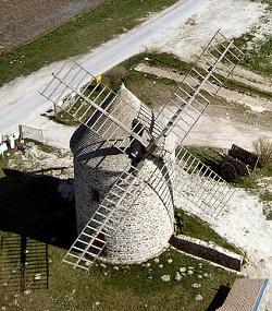 Moulin de Cherrueix à proximité de la mer